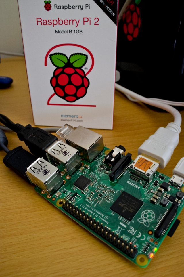 Raspberry Pi B 2 Up-boxing and setup